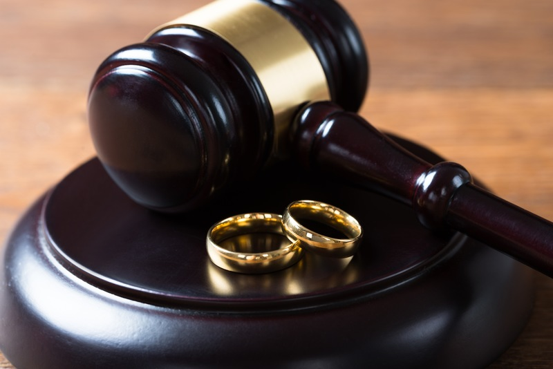 Who Gets the Engagement and Wedding Rings in the Divorce?